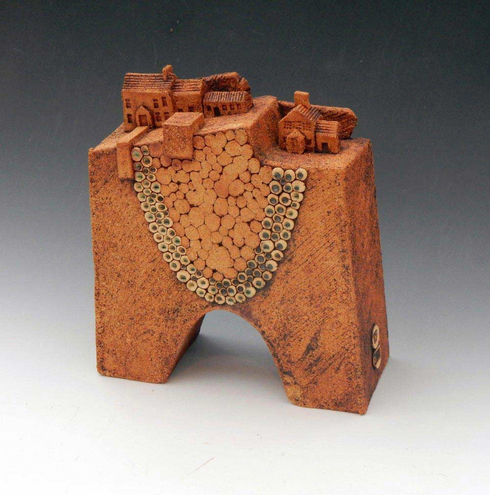 Edmondson N.L. 'Village 02'.Ceramic.25 mm h.225.00 2 1