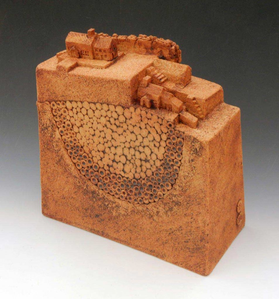 Edmondson N.L. 'Village 03'Ceramic.30 mm h.275.00 1